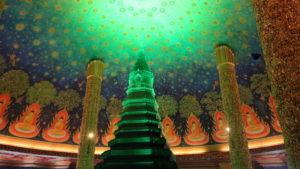 ワット・パクナム5階の仏舎利奉安塔